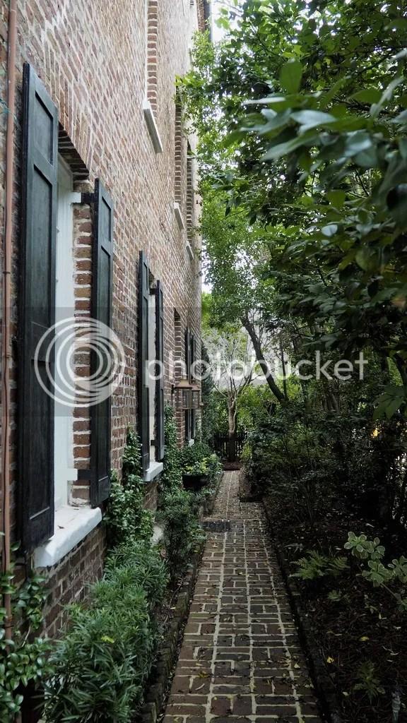 photo Charleston_Architecture_1_zpsxixa2gyy.jpg