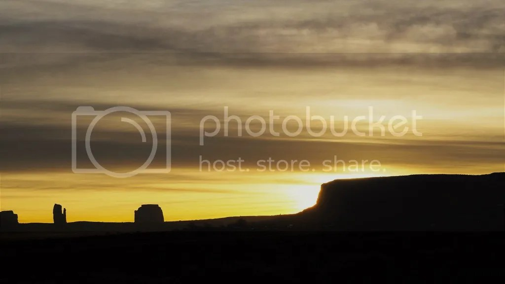photo Monument_Valley_2_zpsssszs7sa.jpg