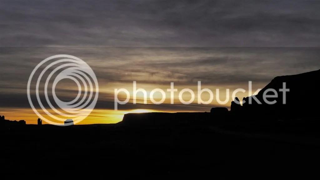 photo Monument_Valley_3_zpshymruesr.jpg