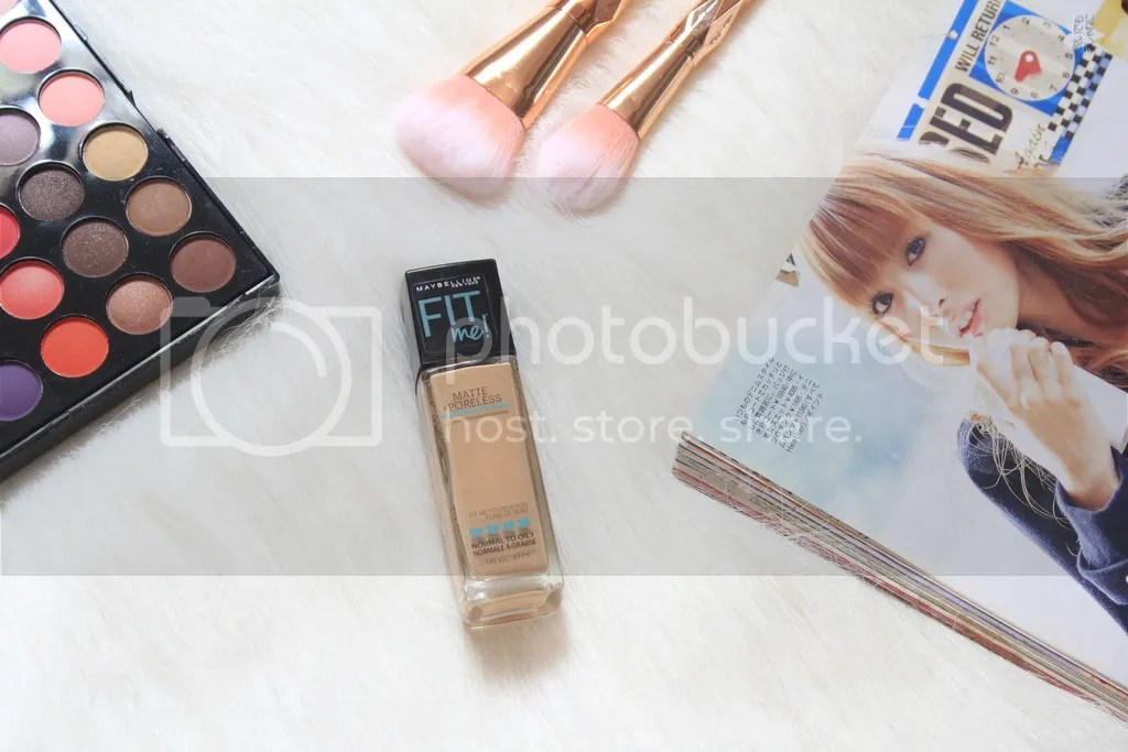 Maybelline Fit Me Matte Foundation Nude Beige 125
