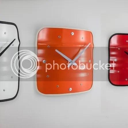 Wanduhr im Industriestil Metall Fassmöbel grau rot orange Industriedesign Industrielook