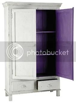 Zweitüriger Schrank mit 2 Schubladen außen shabby weiß innen pflaume