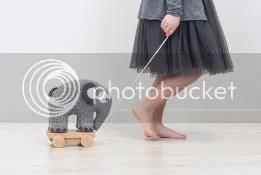 spielelefant zum nachziehen auf rädern dänisch skandinavisch dänisch nordisch kinderzimmer spielmöbel spielzeug marke design