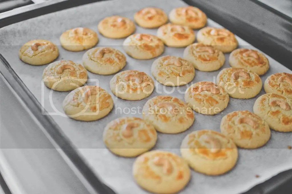 Buttery Cashew Nut Cookies