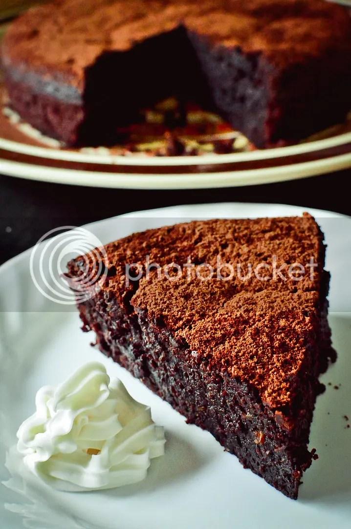 Flourless Hazelnut Dark Chocolate Cake