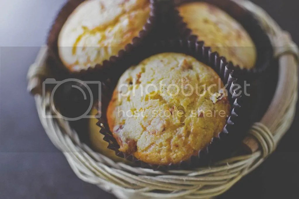 Savoury Polenta & Semi-Dried Tomato Chilli-Cheese Muffins