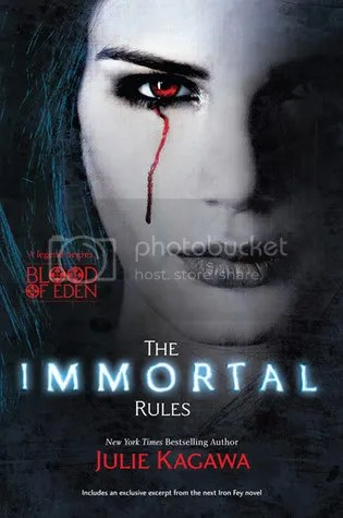 The Immortal Rules by Julie Kagawa Cover - Review
