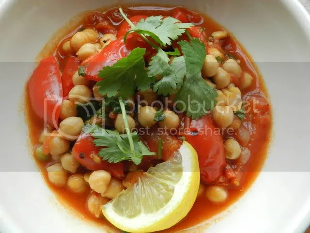 Chickpea & pepper stew with harissa