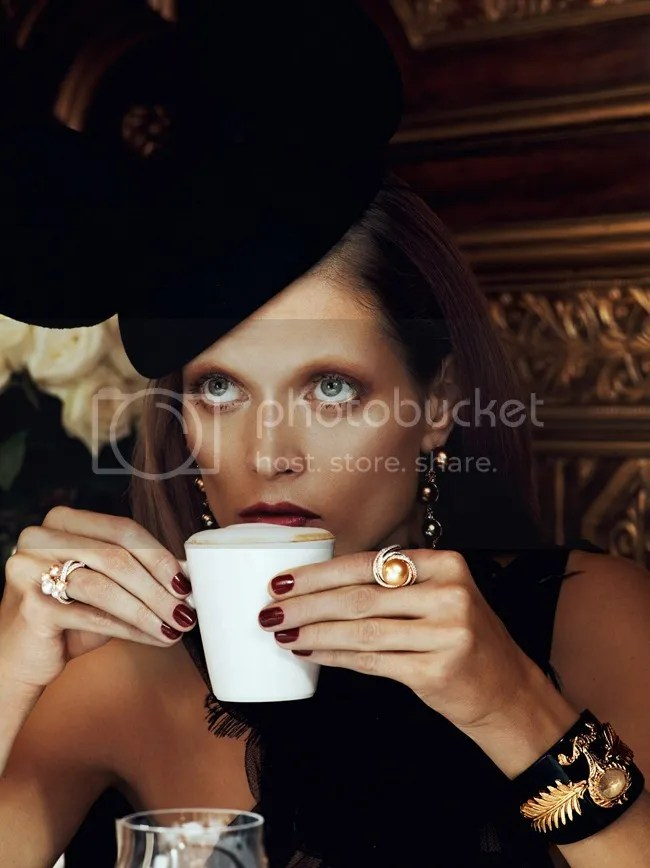 Vogue Paris Chic Ultimate Malgosia Bela Lachlan Bailey statement jewelry jewellery