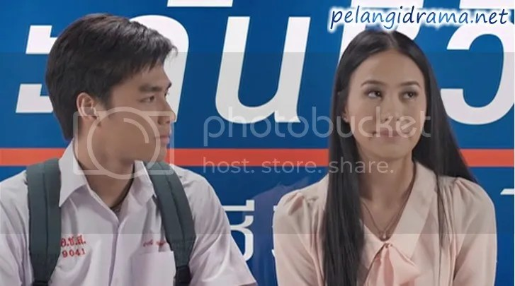 Pemeran bass film first kiss thailand : Charles chaplin il grande