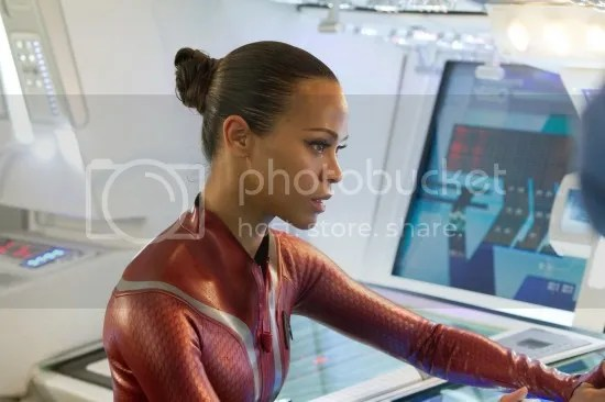 Zoe Saldana en Star Trek: Into Darkness
