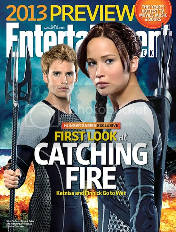 Jennifer Lawrence y Sam Claflin en la portada de EW dedicada a En llamas