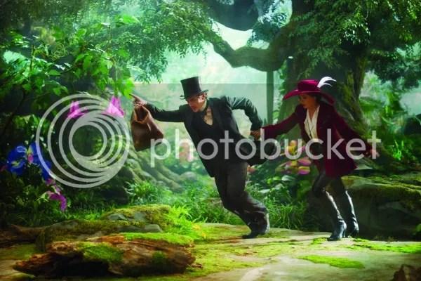 James Franco y Mila Kunis en Oz, un mundo de fantasía