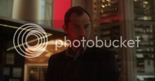 https://i2.wp.com/i1177.photobucket.com/albums/x352/Vescine/Imagenes3/side-effects-jude-law-600x316.jpg