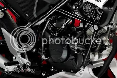Honda CB150R Street Fire akhirnya brojol juga (3/3)