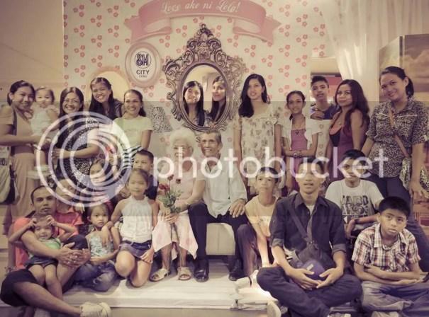 Grandparents with Grandchildren Apo