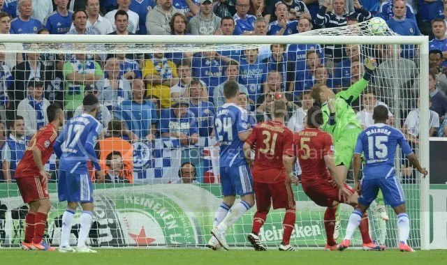 thomas muller menjaringkan vs chelsea final eufa 2012,