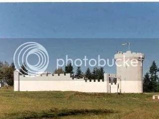 Vista lateral del castillo vikingo de Camas (Washington)