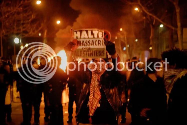 Rassemblement unitaire en soutien au peuple Palestinien place de l'Opéra à Paris le 27-12-08  (3/5)