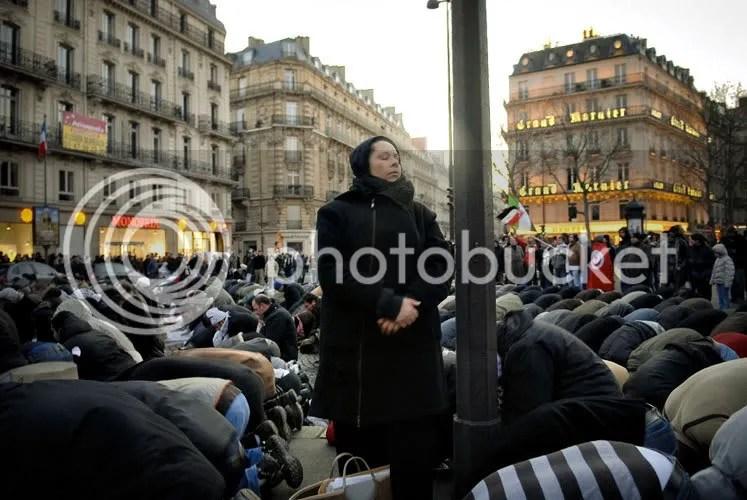 Rassemblement unitaire en soutien au peuple Palestinien place de l'Opéra à Paris le 27-12-08  (2/5)