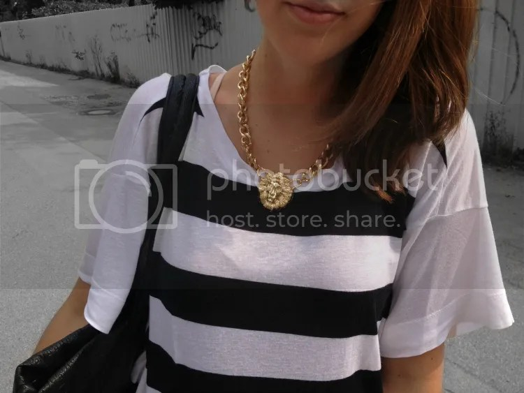 outfit, blogger, fashion junkie, fashion, summer, 2013, stripes, jeans, sandals, white, black, pink, skulls, bag, necklace, lion, gold, jewelry