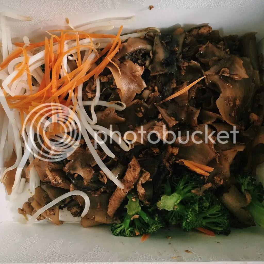 photo Delivered Thai food_zpsk0i4z0sz.jpg