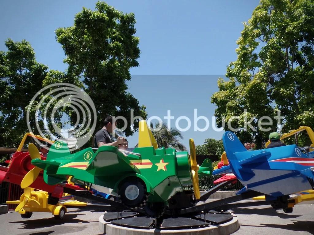 photo Legoland- Grimlock in Lego plane_zpsxt8pkpi0.jpg