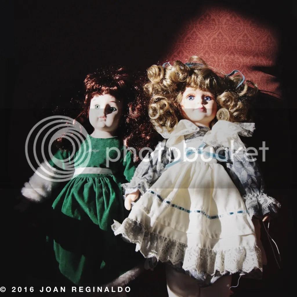 photo Two creepy dolls_zps7nidtdxu.png
