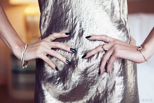 LE FASHION BLOG VOGUE PHOTO DIARY NICOLE RICHIE CFDA AWARDS CLOSE UP MARC JACOBS METALLIC SATIN SILK CRINKLE SLIP DRESS JENNIFER MEYER DELICATE DAINTY RINGS MIDI KNUCKLE RINGS BANGLES BRACELETS 9 copy photo LEFASHIONBLOGVOGUEPHOTODIARYNICOLERICHIECFDAAWARDS9copy.jpg