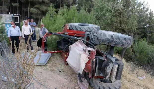 Kahramanmaraş'ta traktör devrildi: 3 yaralı 1
