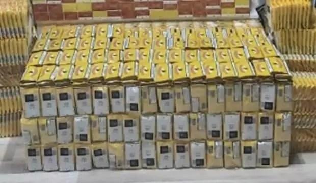 Mersin'de kaçak 50 bin elektronik sigara ele geçirildi 1