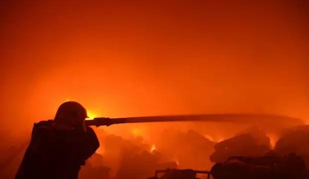 Kahramanmaraş'ta fabrika yangını: Çok sayıda itfaiye bölgede 1