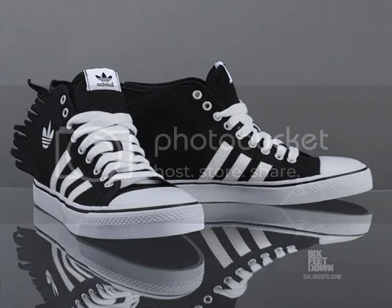 photo jeremy-scott-adidas-originals-js-nizza-jagged-1-570x449_zpsb14b48ed.jpg