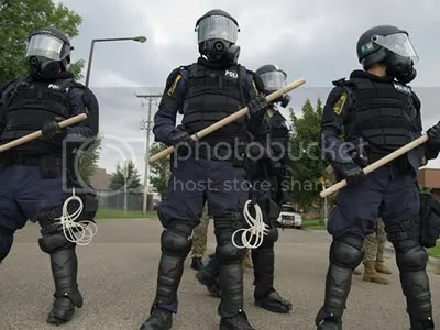 photo riotpolice22.jpg