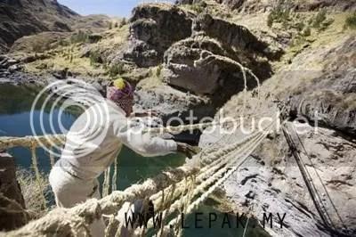 jambatanrumputjerami3 [Interés Imágenes y extraño] Puente Colgante de la paja de hierba