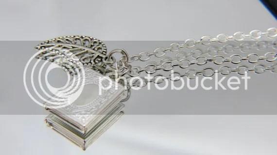 book necklace (etsy)