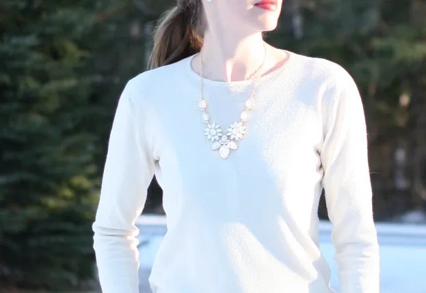 bib fleur necklace inpink