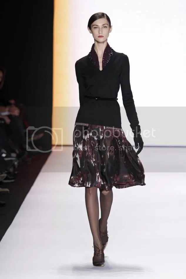12.Ksenia: Amethyst and black embroidered sweater, amethyst, cocoa, and bone abstract waterfall print silk crêpe skirt, black velvet belt, black suede gloves
