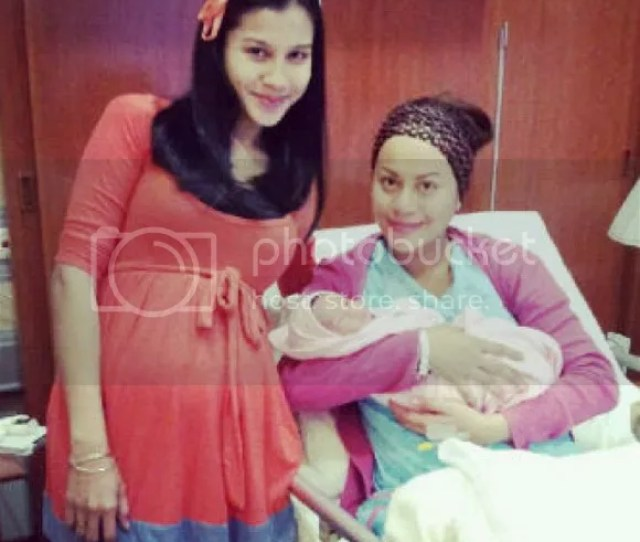 Rabecca Islam Selamat Lahir Anak Perempuan  Gambar