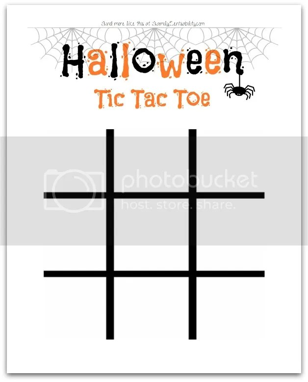 Use two varieties of candy corn and have fun playing on this free printable Halloween Tic Tac Toe!