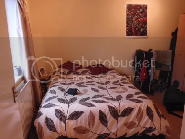 https://i2.wp.com/i1226.photobucket.com/albums/ee408/RowenaFW/Bedroom-bed.jpg