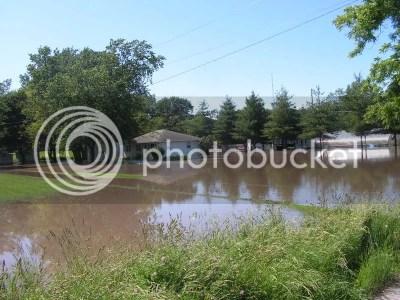 flood photo: flood pic 02 flood08002.jpg