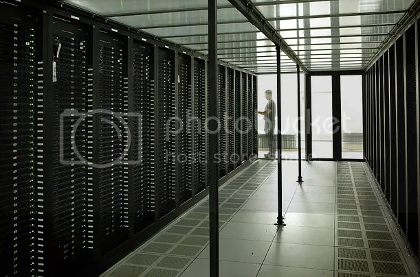 Inside A Facebook Server Farm... (2/6)