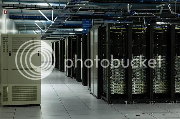 Inside A Facebook Server Farm... (4/6)