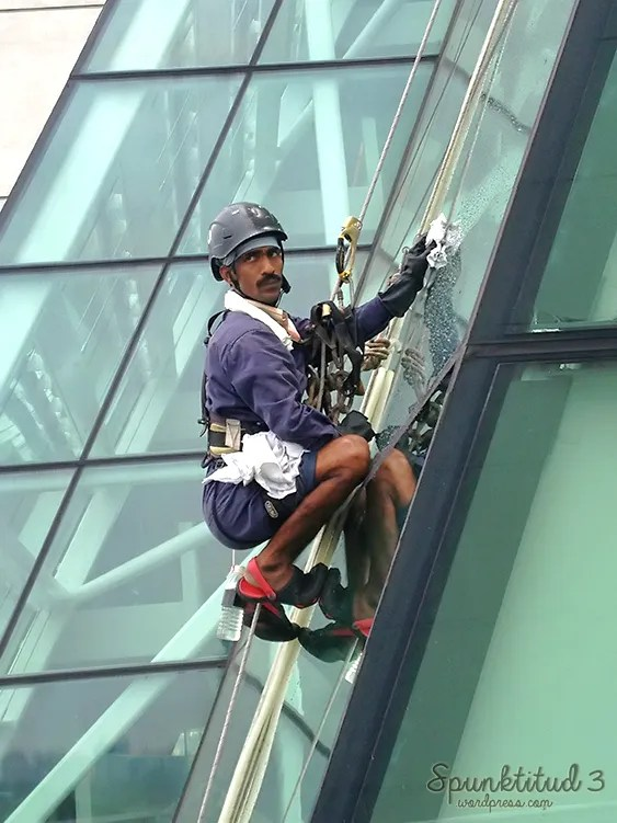 Marina Bay Sands cleaning
