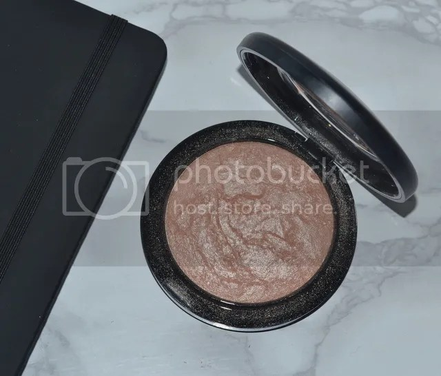 photo 3 Highlighters everyday use mac soft gentle_zpsjenhzfb1.jpg
