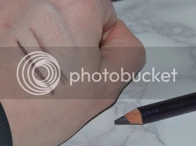photo Dr Hauschka Purple Light Eye Definer Swatch_zps9bctz4lh.jpg