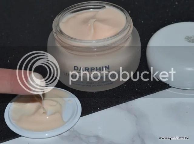 photo Darphin Lumire Essentiel Gel Cream Textuur 1_zpsejznad0w.jpg