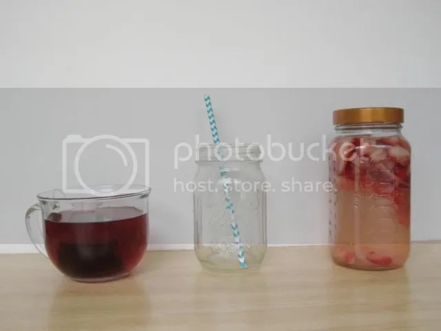 tea and fruit water
