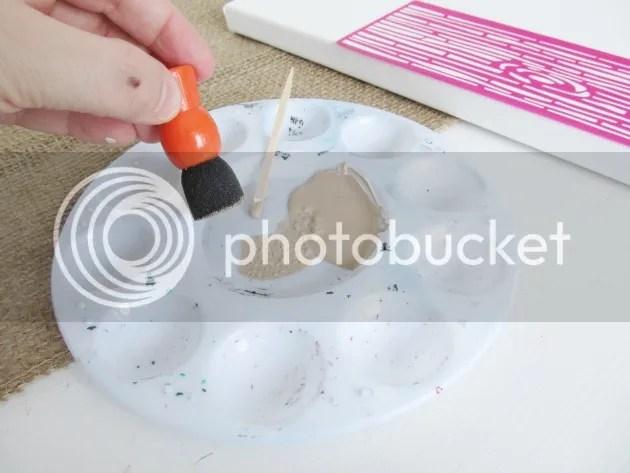 spouncer with paint mod podge